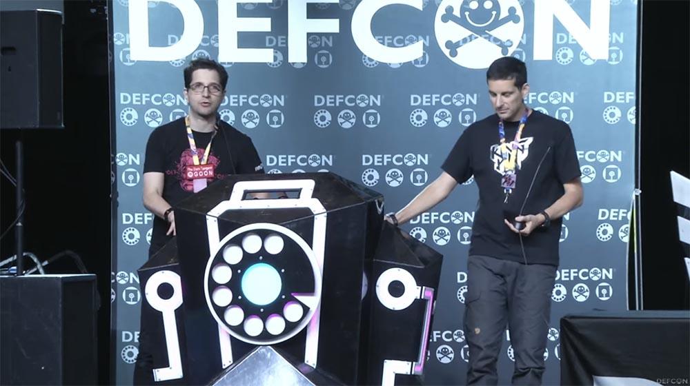 Конференция DefCon 27: за кулисами создания электронных бэйджей. Часть 1 - 2
