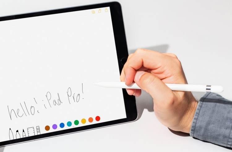 Apple Pencil следующего поколения может получить функцию распознавания жестов и встроенную камеру