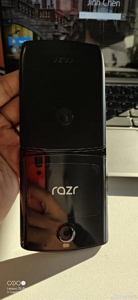 Больше не прототип. Готовая к продаже раскладушка Motorola Razr позирует с необычной упаковкой