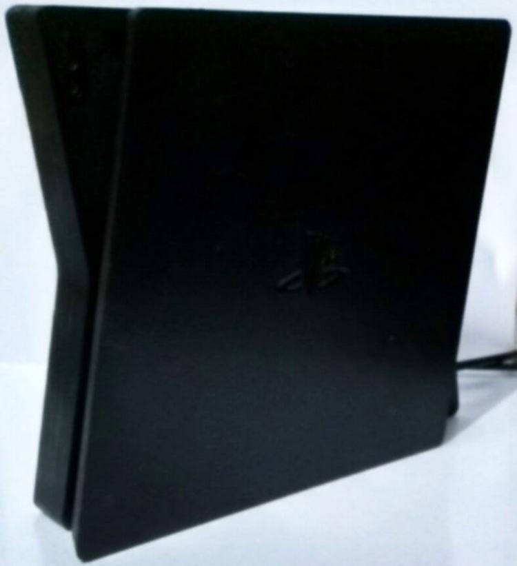 Опубликованы возможные изображения финальной версии PlayStation 5