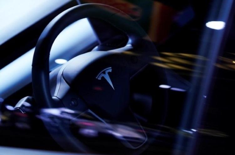 В США будет рассмотрена коллективная жалоба на внезапное ускорение электромобилей Tesla