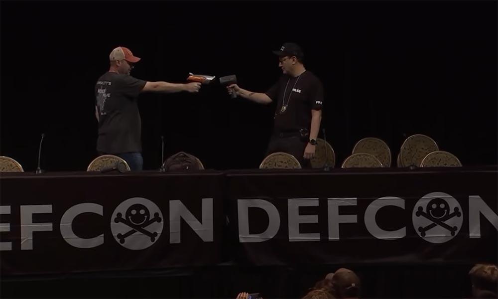 Конференция DEFCON 27. Взламываем полицию. Часть 1 - 16