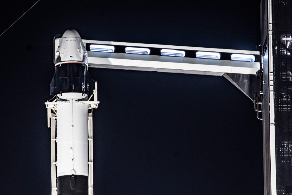 SpaceX успешно провела испытание системы спасения корабля Crew Dragon - 5