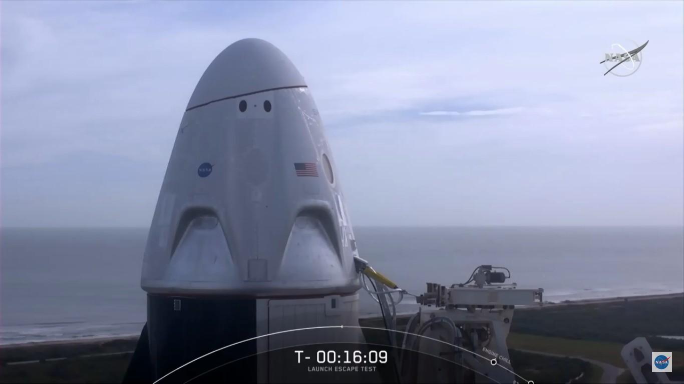 SpaceX успешно провела испытание системы спасения корабля Crew Dragon - 8