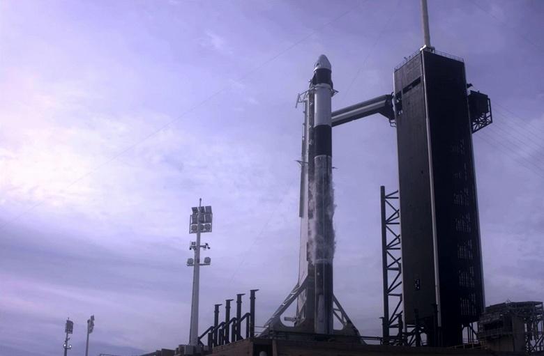 Летные испытания системы спасения экипажа при запуске космического корабля Crew Dragon проведены успешно
