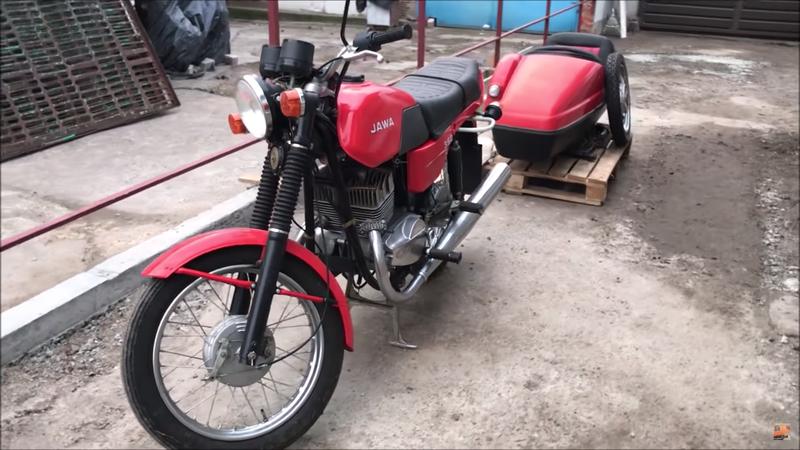 Мотоцикл «Ява» 1990 года нашли в новом состоянии