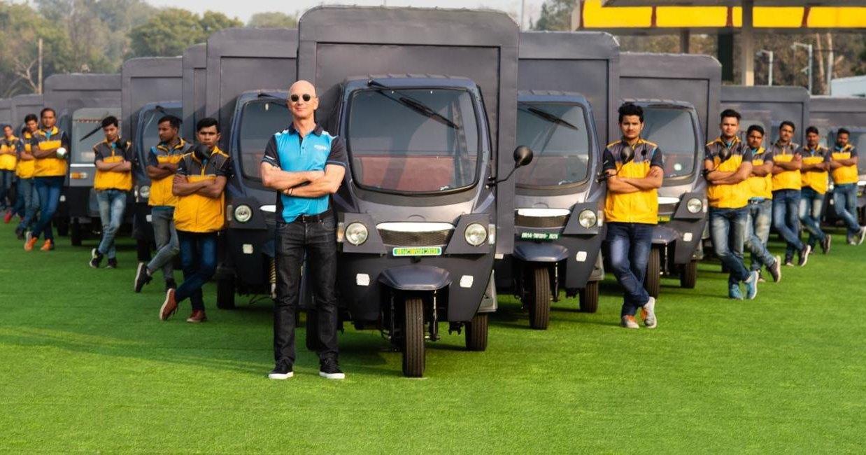 Amazon запустит в Индии 10 тысяч электрических машин для доставок