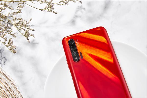 Huawei выпустила новую версию популярного смартфона