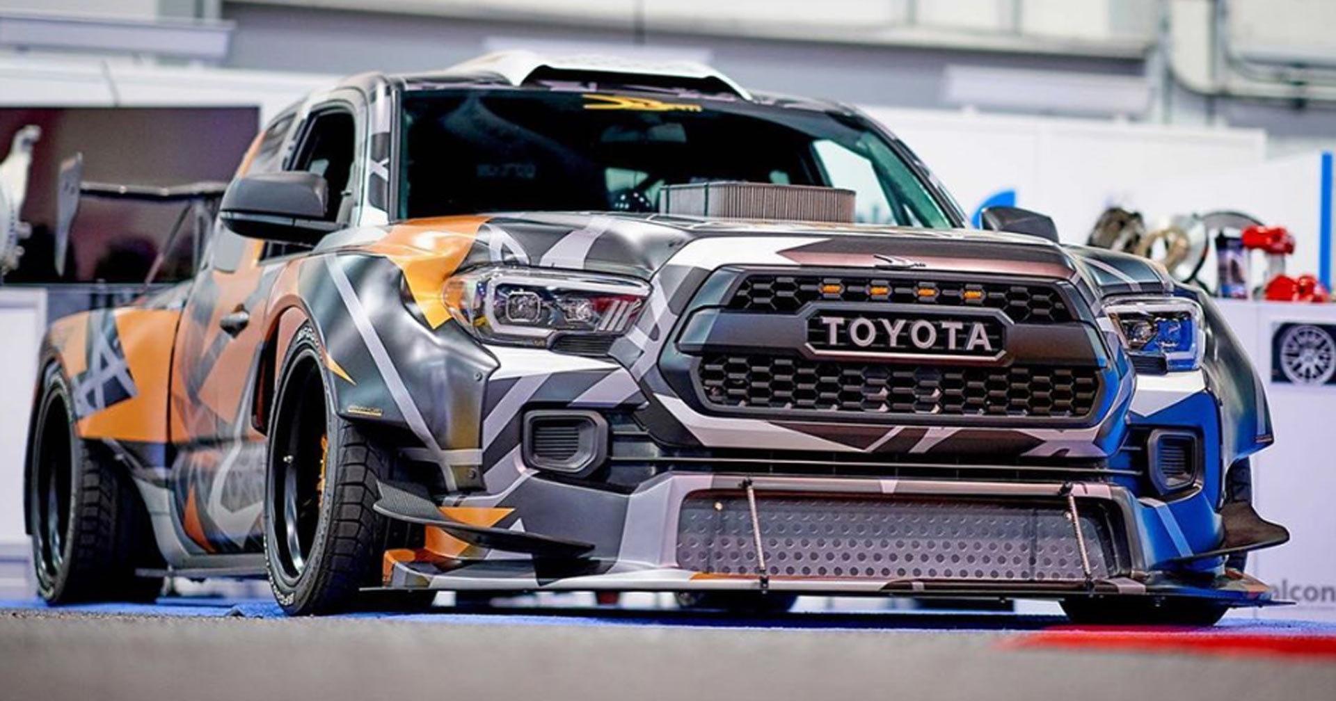 Из пикапа Toyota сделали 900-сильный дрифт-кар