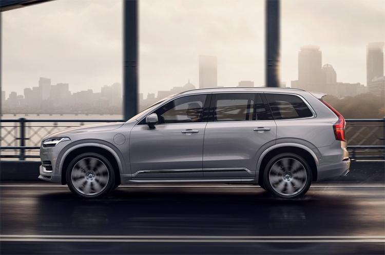 Флагманский внедорожник Volvo XC90 станет электрокаром в 2022 году
