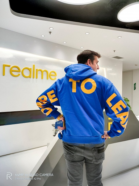 Конкурент Xiaomi Mi Band 5 показался на руке лидера Realme