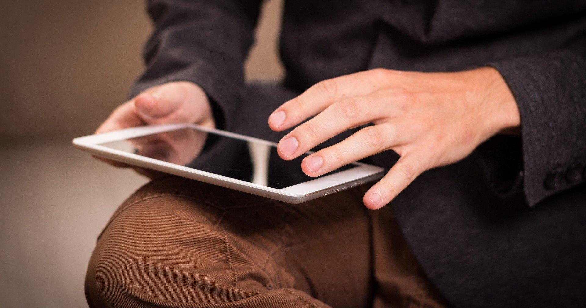 От iPad до инвалидного джойстика: главные гаджеты 2010-х