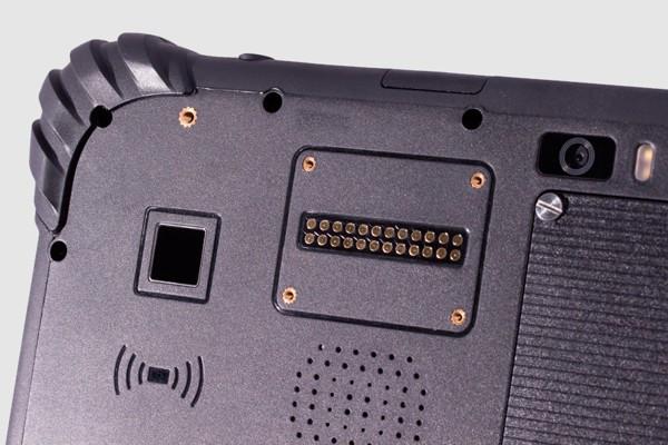 В России начали продавать суперзащищенный планшет на отечественной ОС. На AliExpress есть очень похожее устройство - 3