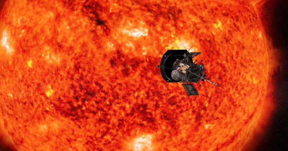 Parker Solar Probe подошел на рекордное расстояние к Солнцу