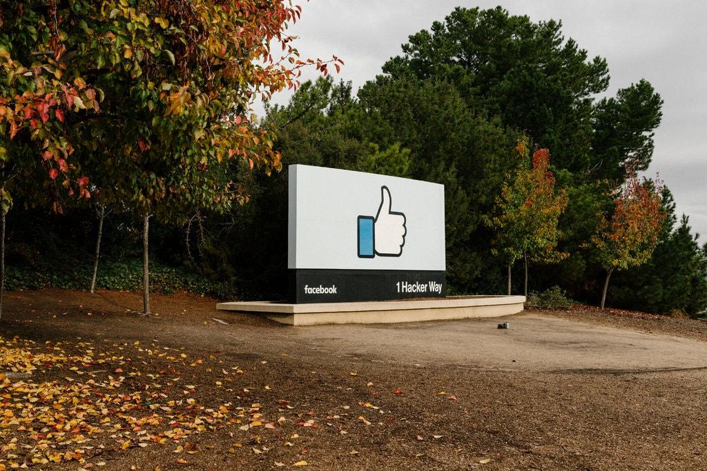 Facebook заплатит $550 млн за распознавание лиц на фотографиях без разрешения пользователей - 1