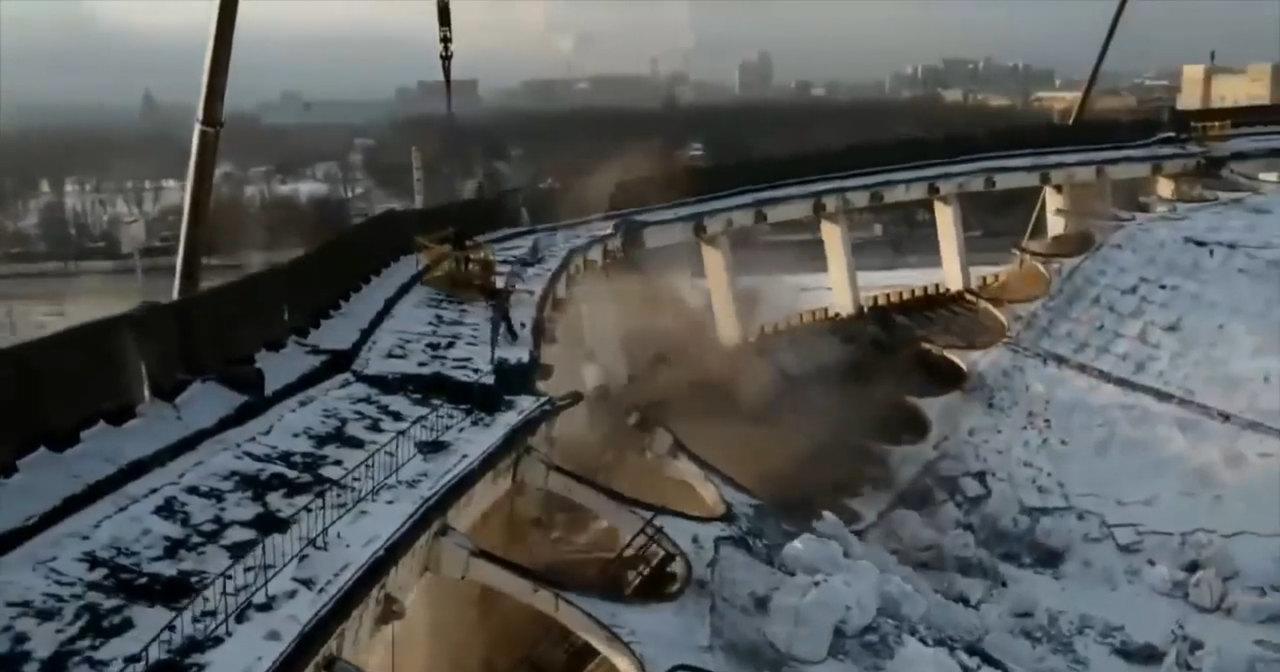"""Обрушение СКК """"Петербургский"""" сняли в голливудском стиле"""