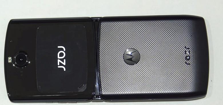 Два аккумулятора и неприкреплённый дисплей: что показала разборка раскладушки Motorola Razr