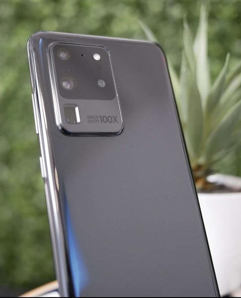 Настоящий смартфон Samsung Galaxy S20 Ultra в реальной жизни. Камера просто огромна
