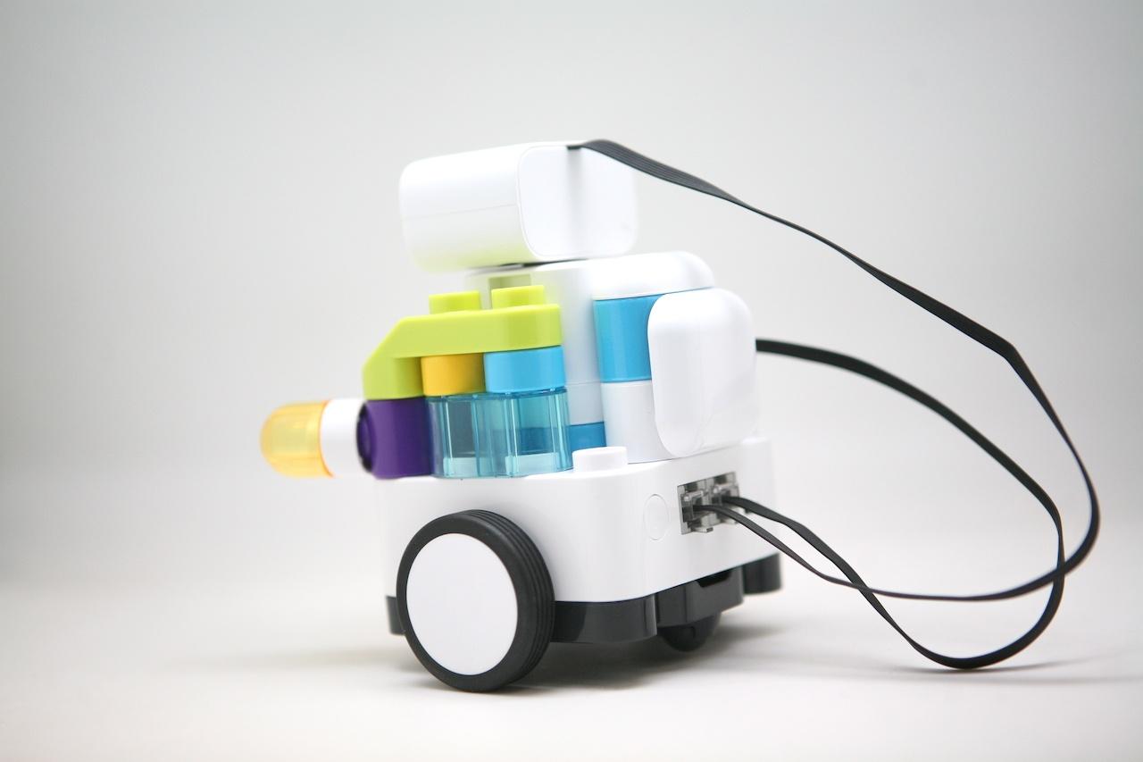 Botzees — робот-конструктор для самых маленьких с дополненной реальностью и добрыми глазами - 20