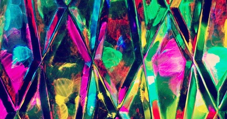 Физики нашли способ изогнуть алмаз