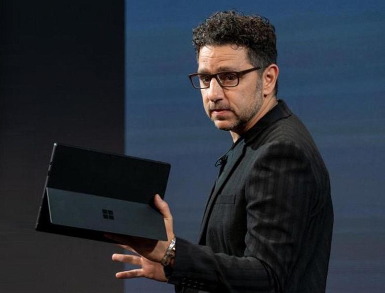 Знакомьтесь с новым руководителем Windows. Ранее Панос Панай управлял командой разработчиков устройств Surface