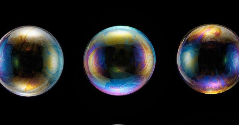Физики раскрыли секрет того, как получить самый большой мыльный пузырь