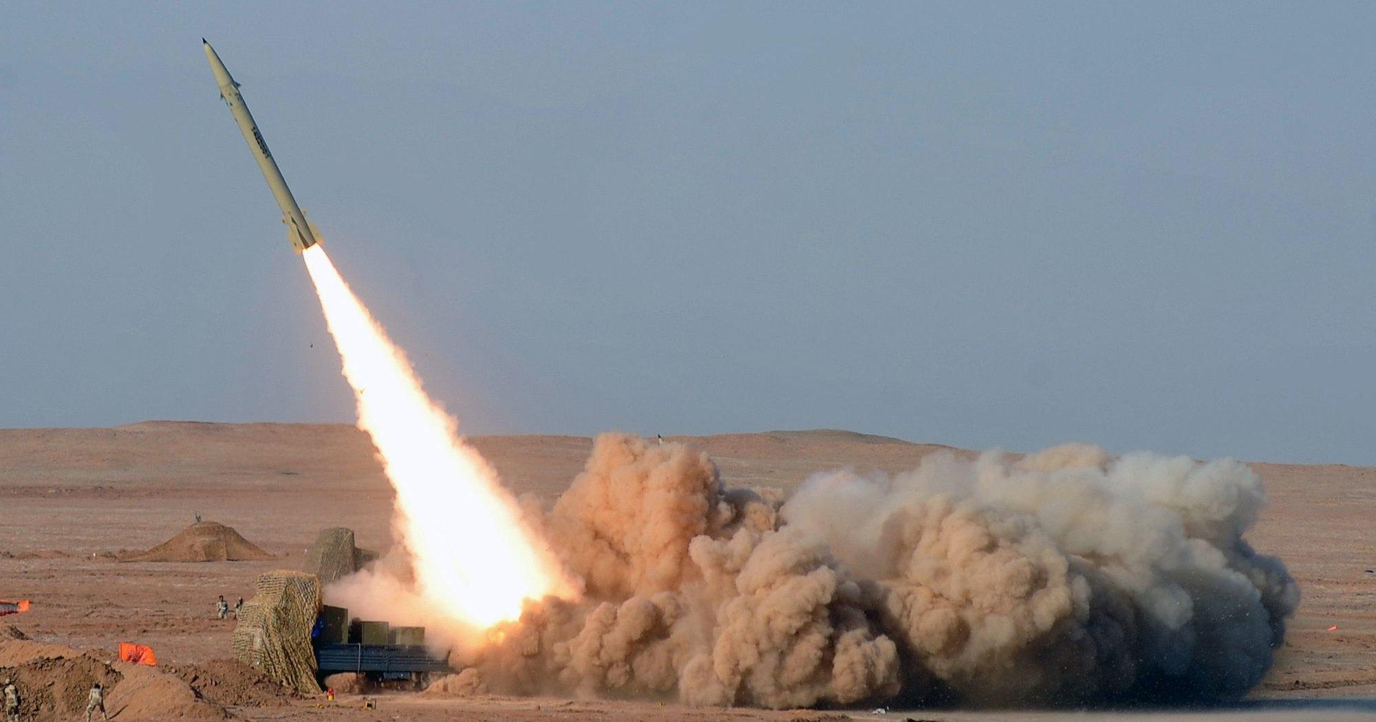 Иран показал новую баллистическую ракету