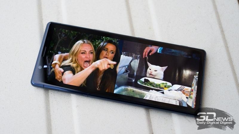 Новая статья: Обзор Sony Xperia 5: редкий пример компактного смартфона с флагманской начинкой