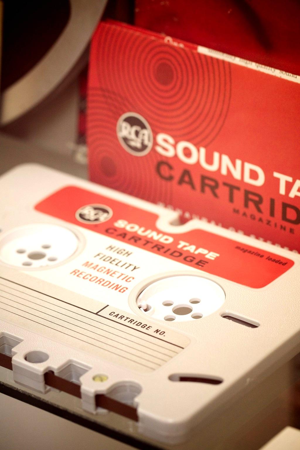 История компактного аудио: как миниатюрные бобины перекочевали в кассетный форм-фактор - 2
