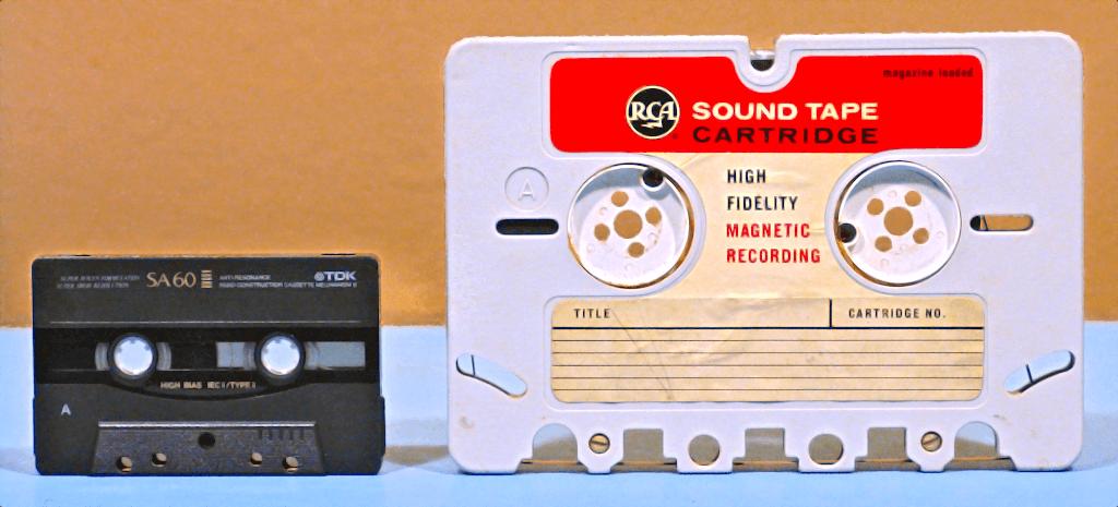 История компактного аудио: как миниатюрные бобины перекочевали в кассетный форм-фактор - 1