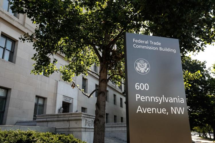 FTC начала расследование в отношении приобретений Facebook и Google