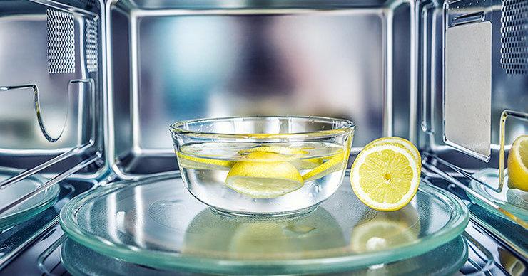 Как помыть СВЧ-печь быстро и легко