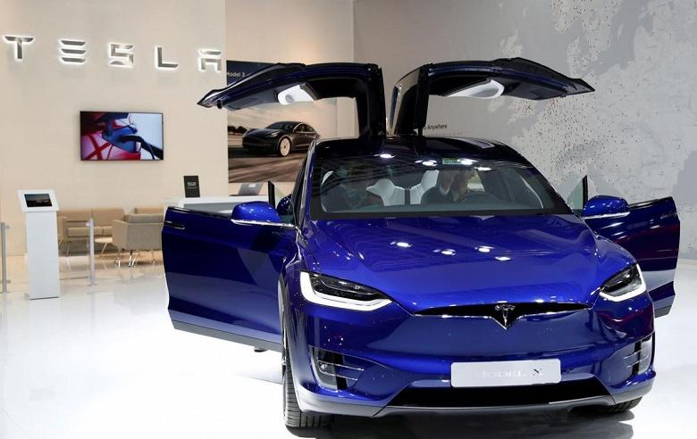 Tesla отзывает электромобили Model X в Китае