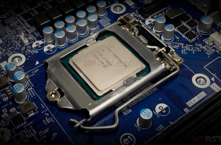 Опубликованы фотографии Intel Core i9-10900 поколения Comet Lake-S