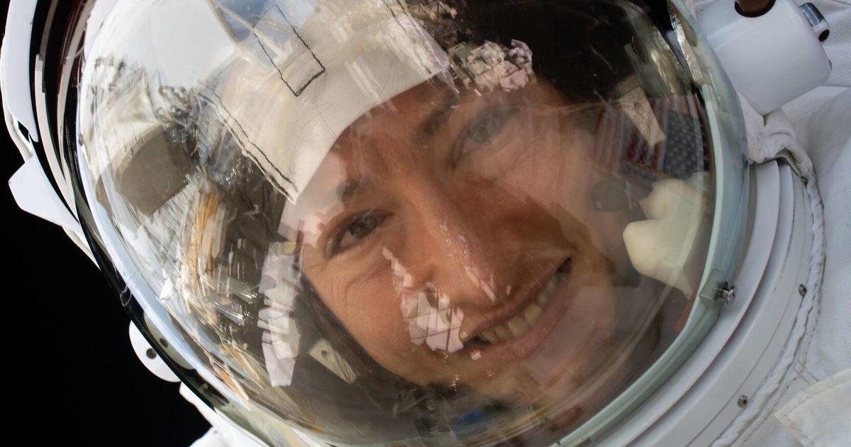 Передозировка милоты: собака встречает хозяйку после года в космосе