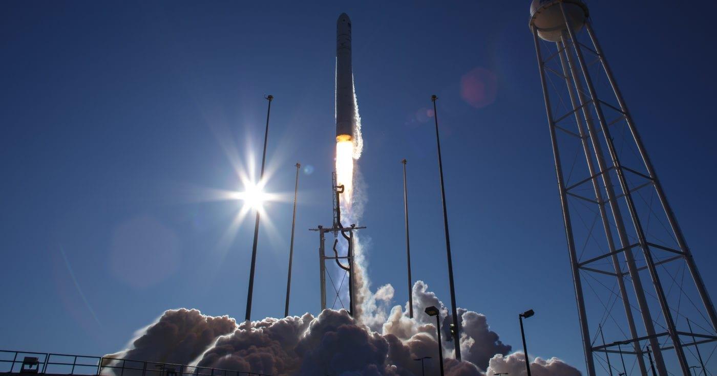 Трансляция: запуск грузового космического корабля Cygnus
