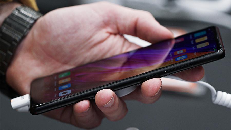 Xiaomi стала второй компанией, которая согласилась предустанавливать российское ПО - 1