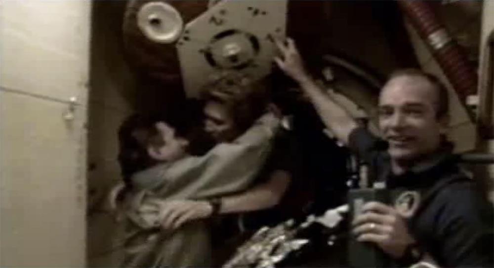 Как мы потеряли «Мир»: пожар на космической станции, столкновение с грузовиком «Прогресс», разгерметизация - 38
