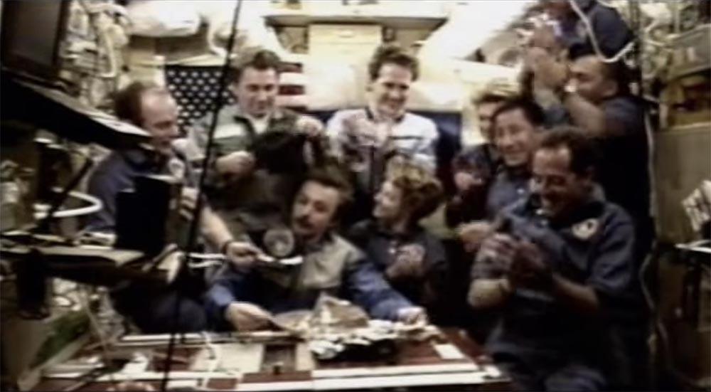 Как мы потеряли «Мир»: пожар на космической станции, столкновение с грузовиком «Прогресс», разгерметизация - 41