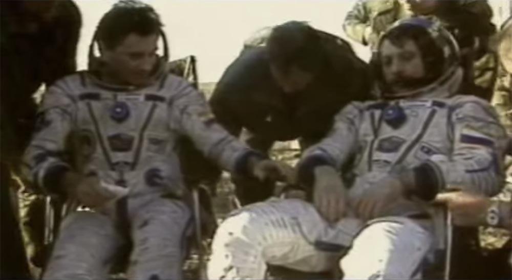 Как мы потеряли «Мир»: пожар на космической станции, столкновение с грузовиком «Прогресс», разгерметизация - 55