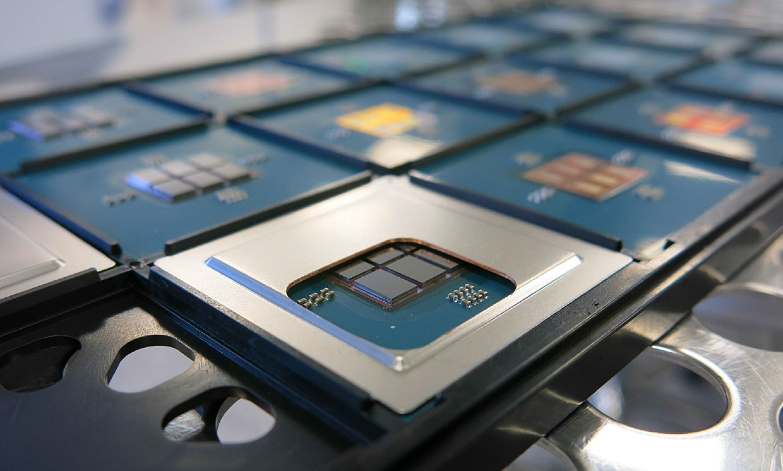Французский институт CEA-Leti показал, как с помощью кристалла-переходника создать 96-ядерный процессор - 1