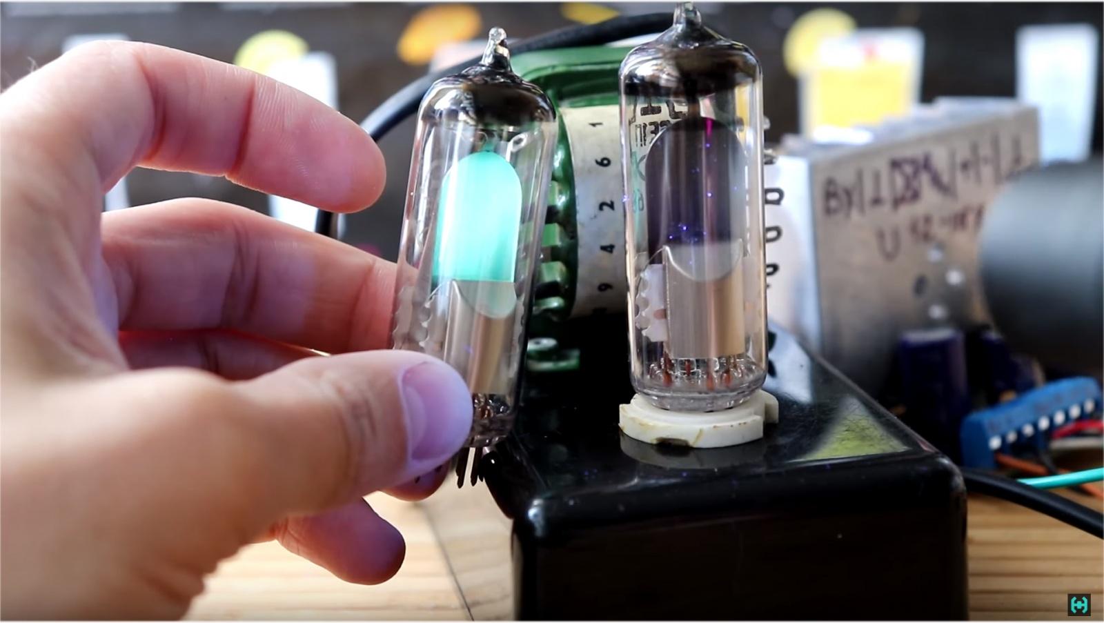 Визуализация звука на старинных лампах - 15