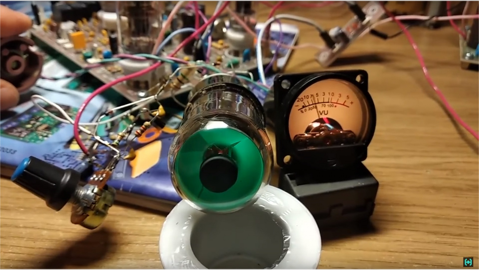Визуализация звука на старинных лампах - 17