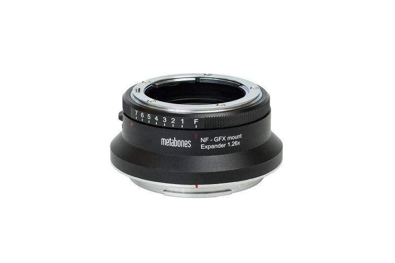 Metabones выпускает переходник, позволяющий использовать объективы с креплением Nikon F совместно с камерами системы Fujifilm GFX