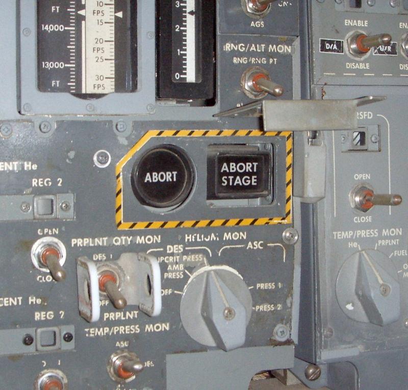 Погружение в недра бортового управляющего компьютера «Аполлона» и хак, спасший миссию «Аполлон-14» - 1