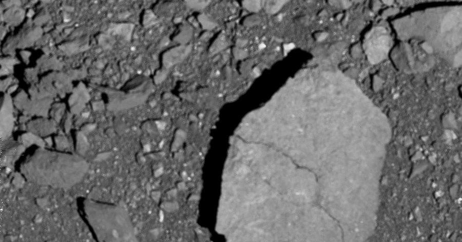 OSIRIS-REx неудачно заснял поверхность Бенну крупным планом