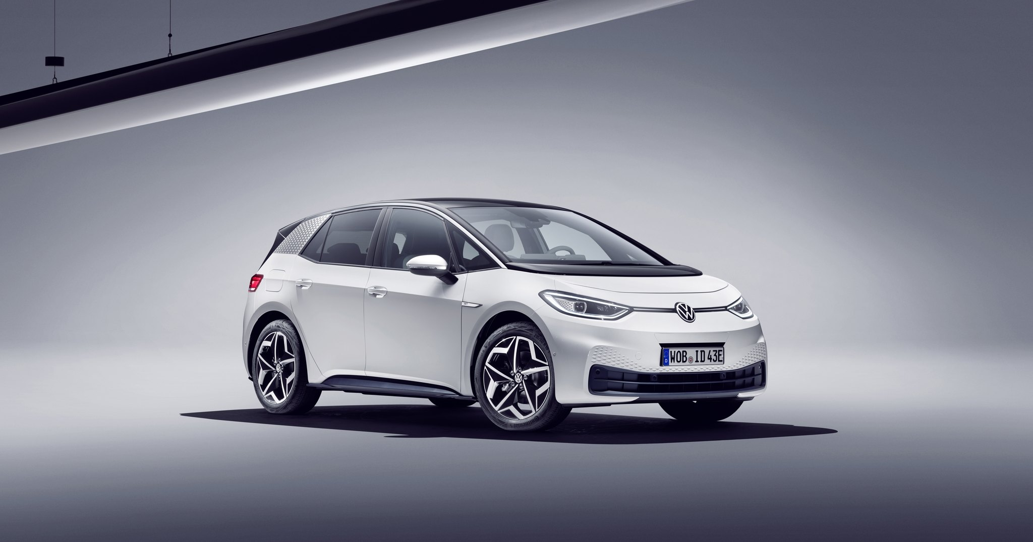 Баги первого электромобиля Volkswagen исправляют 10 000 инженеров