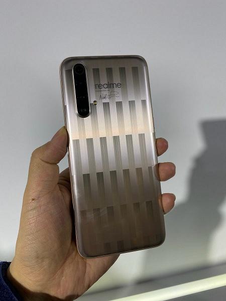 Полосатый конкурент Redmi K30 5G выйдет 8 марта. Анонс Realme X50 5G Master Edition Lines