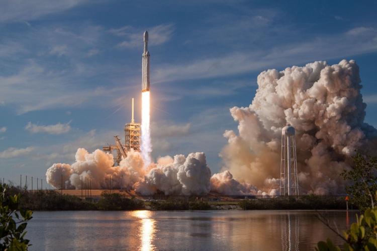 SpaceX предоставит ракету Falcon Heavy для миссии NASA «Психея»