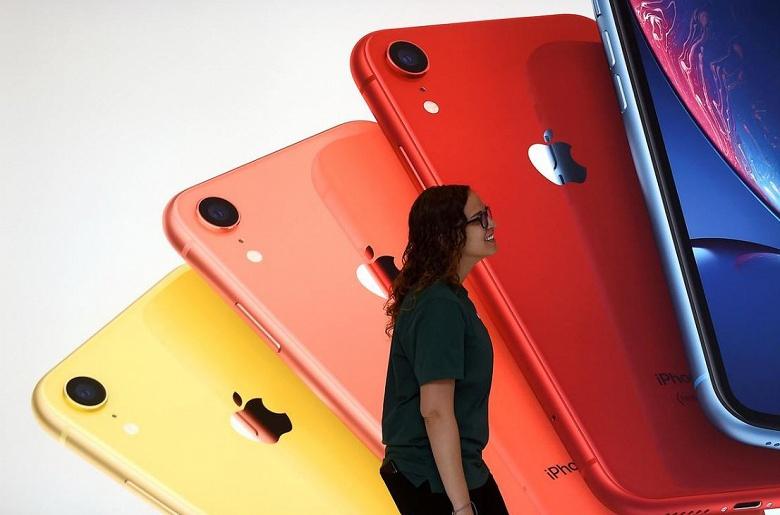 Apple согласилась заплатить до 500 млн долларов, чтобы уладить иск, связанный с намеренным замедлением смартфонов iPhone